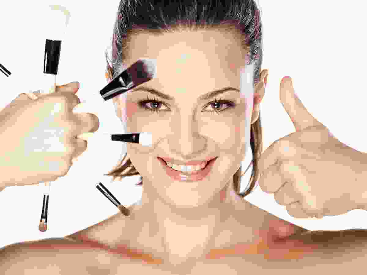 Skin Treatment by mudpack